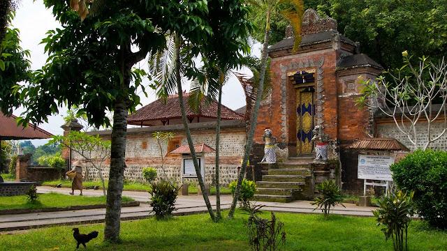Percutian ke Lombok, Pure Lingsar Lombok, Melancong ke Lombok, Pakej Percutian Lombok