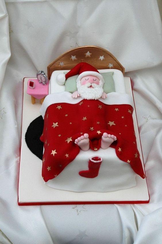 10 Amazing Santa Claus Cake Designs For Christmas Easy