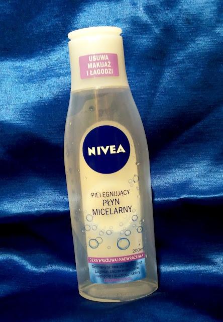 Nivea - pielęgnujący płyn micelarny do cery wrażliwej.