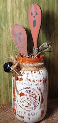 HALLOWEEN THEMED MASON JARS with PUMPKIN SPOONS