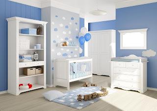 Habitación de bebé en celeste y blanco