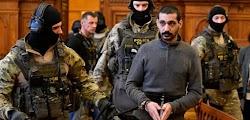 Ένας Σύρος, ο οποίος είχε αποκτήσει την προσφυγική ιδιότητα στην Ελλάδα και φέρεται να είναι ηγετικό πρόσωπο του ISIS δικαζόταν αυτές τις μέ...