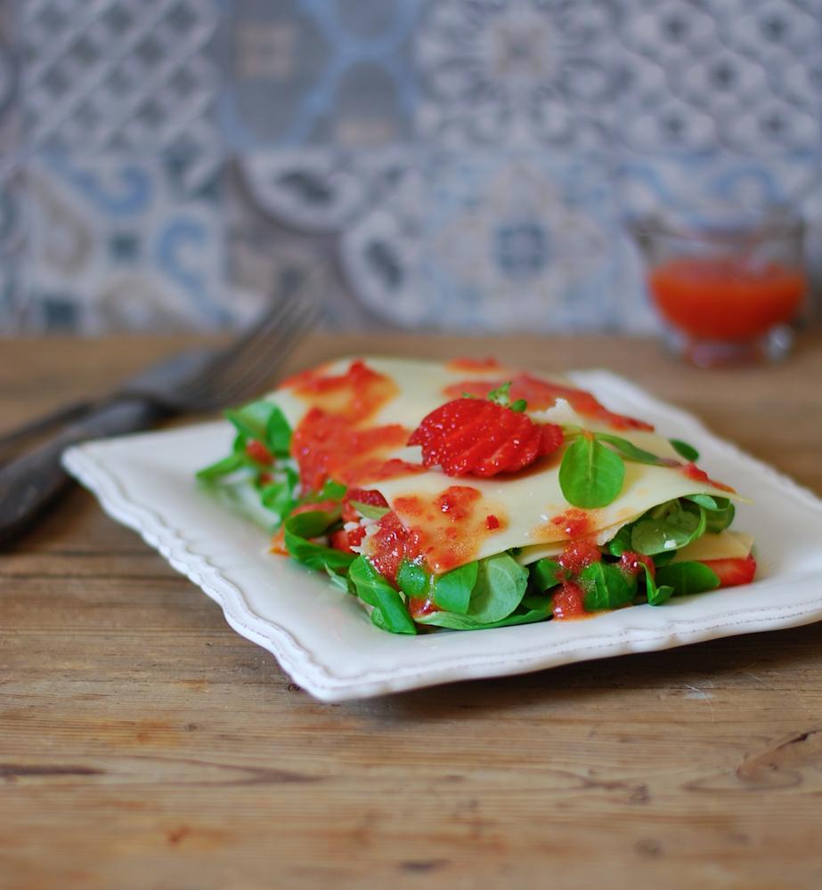 lasaña-espinacas-fresas-parmesano