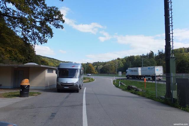 スイスのパーキングエリア Switzerland-restarea