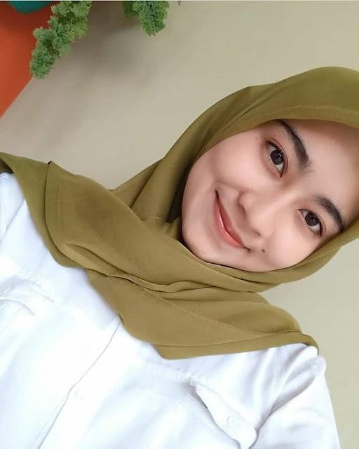 Heny Arfiah Hijaber From Jogja