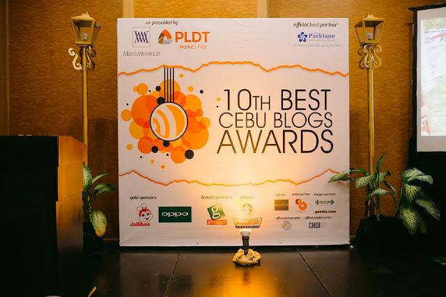Simple yet elegant stage by Cebu Parklane International Hotel