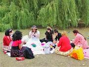 A Lolita Picnic in Regent's Park 🍒