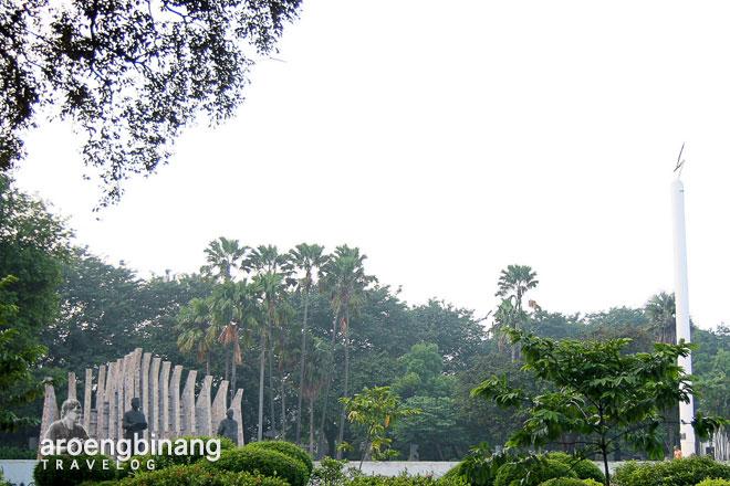 monumen soekarno-hatta tugu petir