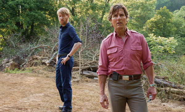 Domhnall Gleeson and Tom Cruise in AMERICAN MADE (2017)