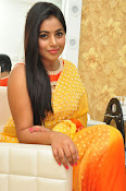 poorna gorgeous photos gallery-thumbnail-3