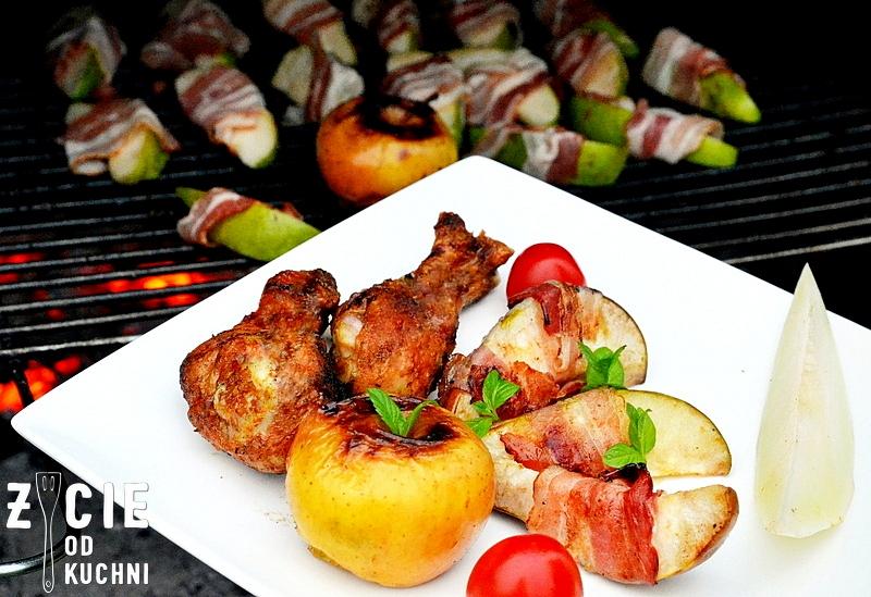danie z grilla, grill, kurczak z grilla, gruszka, boczek z grilla, przepisy na grill, jablko, jablko pieczone na grillu, jablko pieczone, maj, majowka, blog, zycie od kuchni