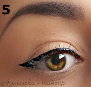 http://agnieszka-makeup.blogspot.com/2013/11/eyelinerowe-szalenstwo.html