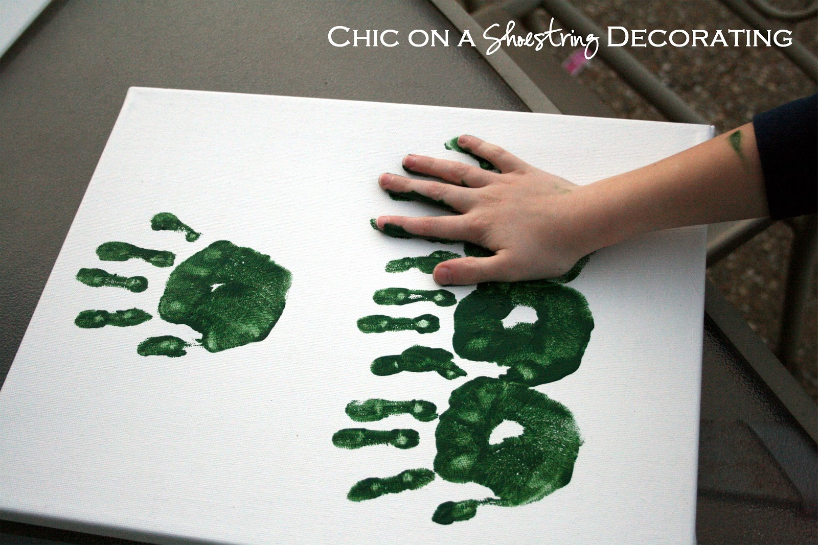 Chic On A Shoestring Decorating: Kid Craft, Hand Print