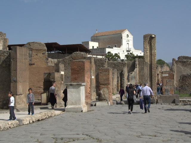 widok na głowną ulicę Pompeje, Włochy
