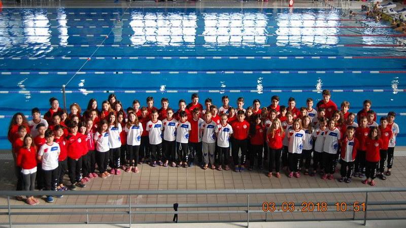 Μεγάλη εμφάνιση από τα «δελφινάκια» του ΟΦΘΑ στους Χειμερινούς Αγώνες Κολύμβησης