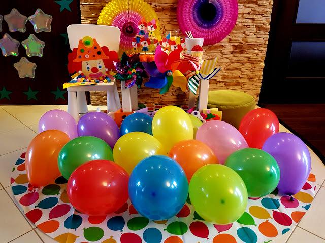 Sylwester w domu-Sylwester z dzieckiem-Nowy Rok-kinderbal-bal karnawałowy-przyjęcie dla dzieci-przyjęcie urodzinowe-cyrk-prace plastyczne-dekoracje-karnawał-piniata klaun-zaproszenia na kinderbal