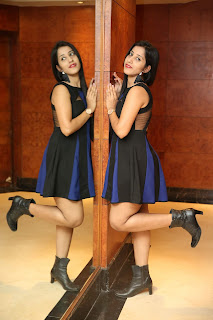 aisha rawat model at Jhalak Designer Exhibition Curtain Raiser11.jpg