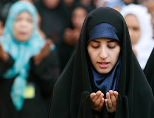 Bagaimana hukum doa qunut subuh?