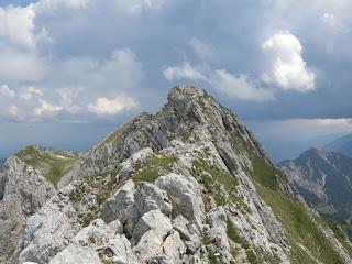 Am Gipfelgrat der Hochplatte kurz vor dem Hauptgipfel