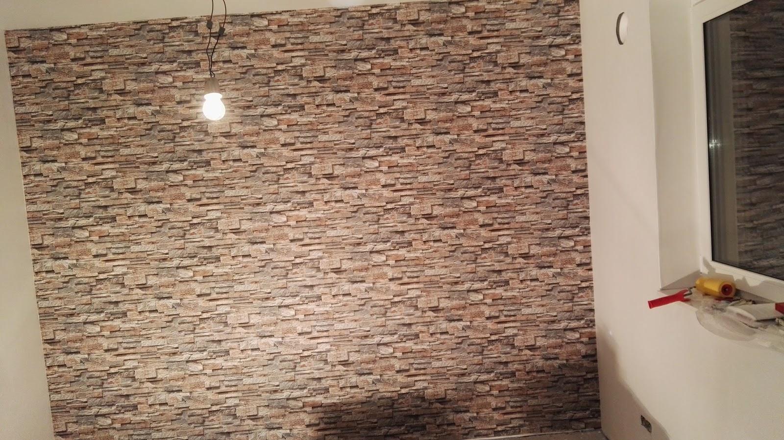 Auch Unsere Tolle Mustertapete Im Schlafzimmer Und Im Gitarrenzimmer Sind  An Die Wand Gebracht. Eine Steinwand ...