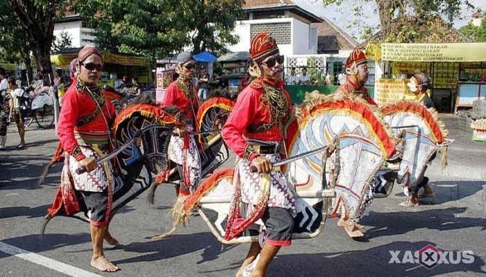 Gambar Tari Jlantur, Tarian Tradisional Jawa Tengah