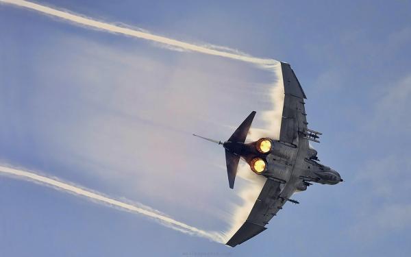 f-4-phantom-ii-f-4-fighter-bomber-mcdonnell-douglas-navy-phantom-military-375x600.jpg