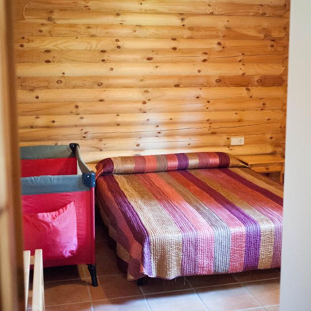 Habitación de matrimonio de nuestra cabaña nórdica en Cuenca