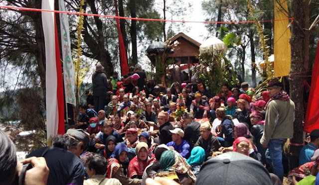Ritual Adat 'Unan-Unan' Suku Tengger