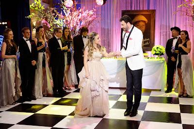 Os dois dançam a valsa (Crédito: Gabriel Cardoso/SBT)