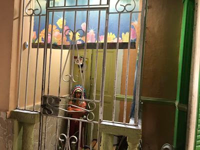 puerta de cssa en edificio en habana vieja