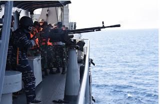 KRI Teluk Banten - 516 Sukses Hancurkan Sasaran