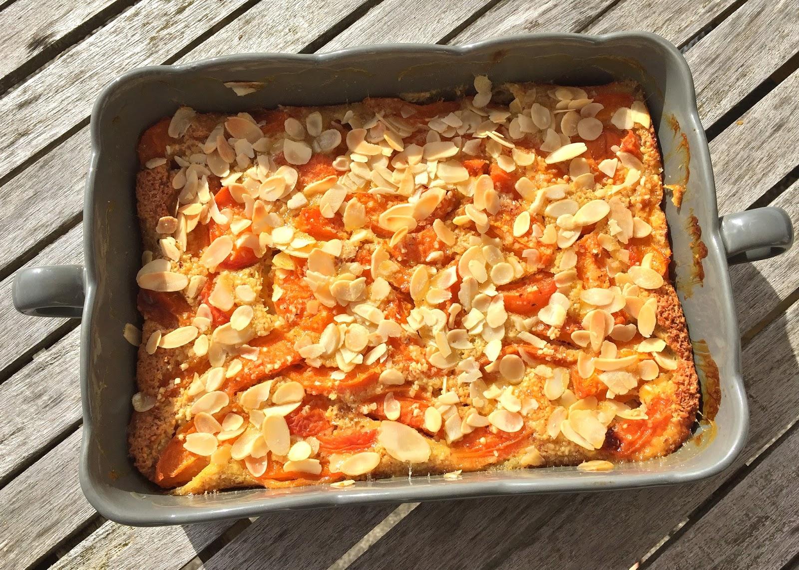 J'en reste baba: Clafoutis aux abricots et amandes