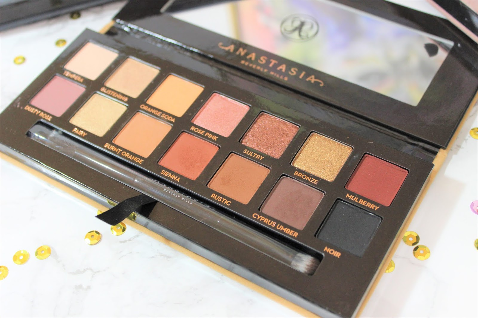 ABH Soft Glam Palette review