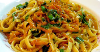 http://www.delish.com/cooking/a38456/linguine/