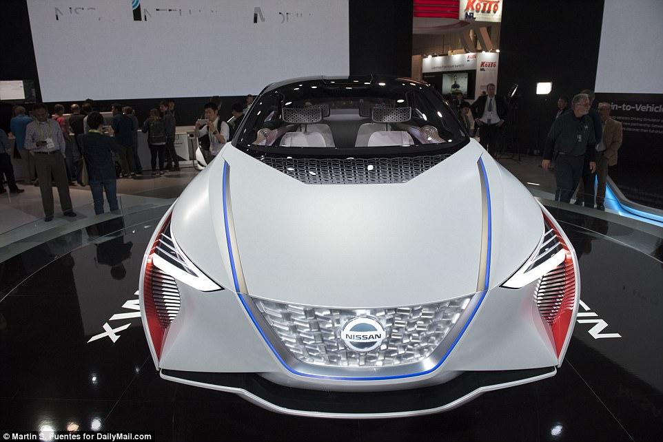 A Nissan também mostrou seu conceito de crossover elétrico IMx, que ele primeiro revelou em outubro no Tokyo Motor Show