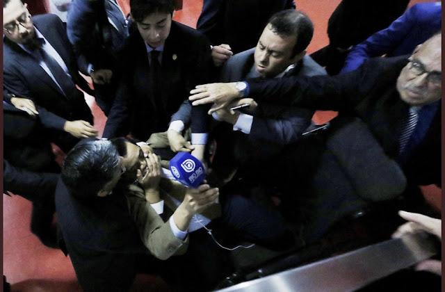 Colegio de Periodistas repudia agresión a la prensa y anuncia sumarse a demandas