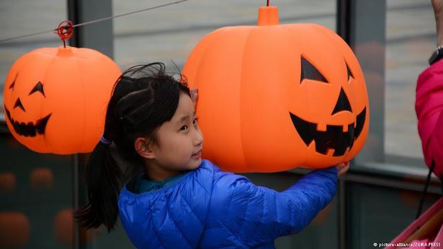 စမ္းစမ္းတင္ – Trick or Treat- Halloween မုန္႔မေကၽြးရင္ သရဲေခ်ာက္မွာေနာ္