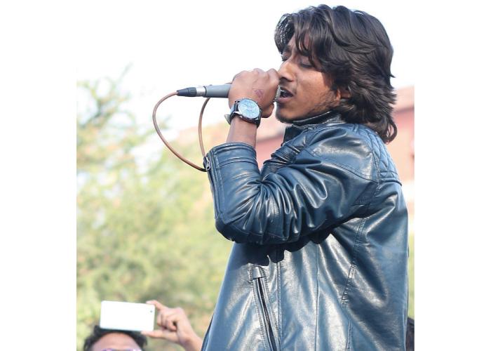 Deepak Bharti singer