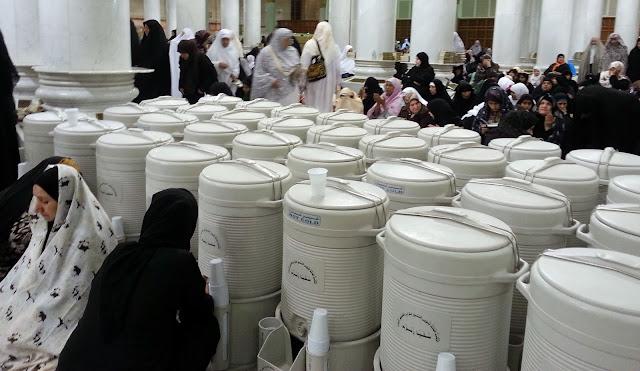 Berburu Zamzam Menggunakan Botol Aqua Kecil Di Area Masjidil Haram