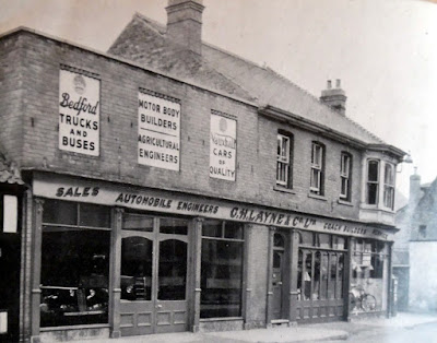 History Layne's Garage in Brigg town centre circa 1947 - picture on Nigel Fisher's Brigg Blog