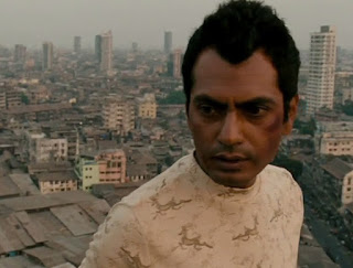 Nawazuddin Siddiqui in Talaash, Tehmur, pimp's crippled henchman