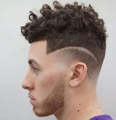 model rambut keriting garis samping untuk pria