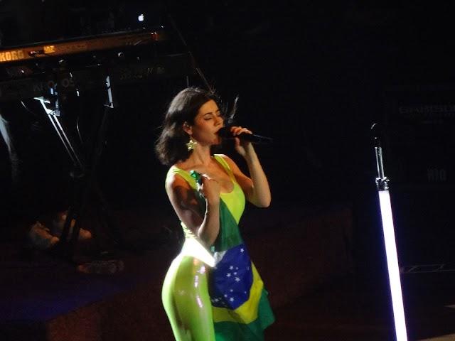 Marina Diamandis fala sobre vinda ao Brasil no Instagram