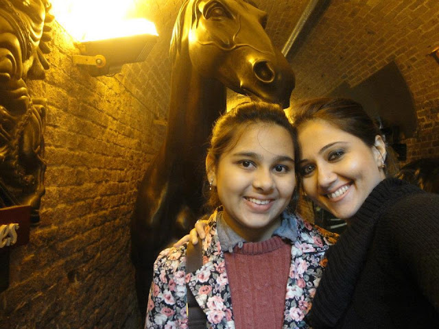 Swastika Mukherjee Indian Bengali Actress Biography Hot Photos With Her Daughter Anwesha Mukherjee