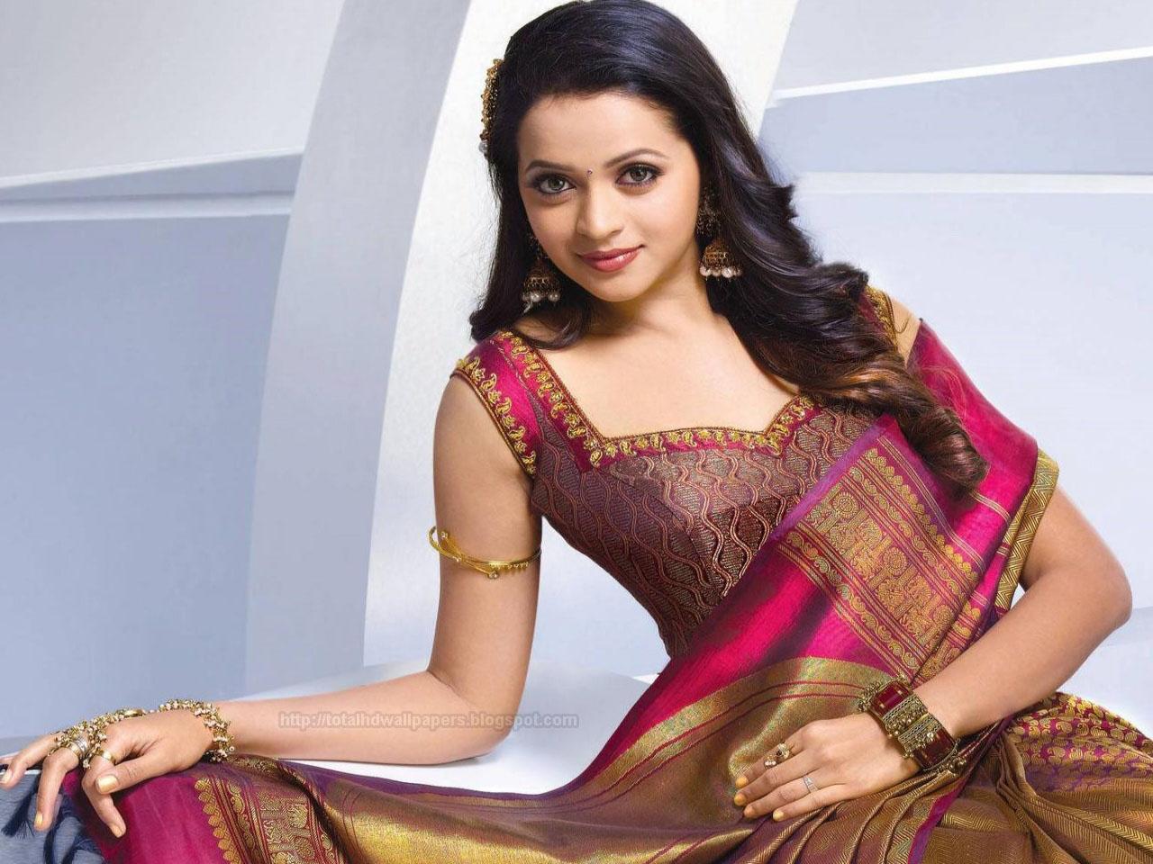 Punjabi Beautiful Girl Wallpaper Download Hd Wallpapers Bollywood Actress High Quality Wallpapers
