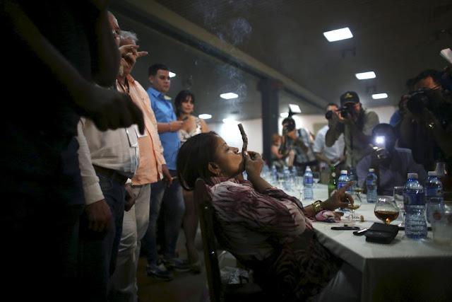Long-ash Contest 2016 Cuban Cigar Habanos Festival Lights up in Havana (Photos)