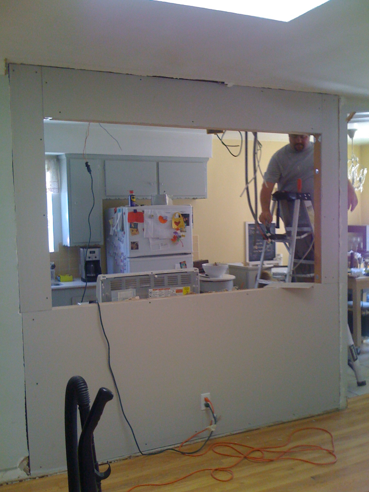 Knocking Out A Wall To Install A Bar My Fifties Kitchen Redo