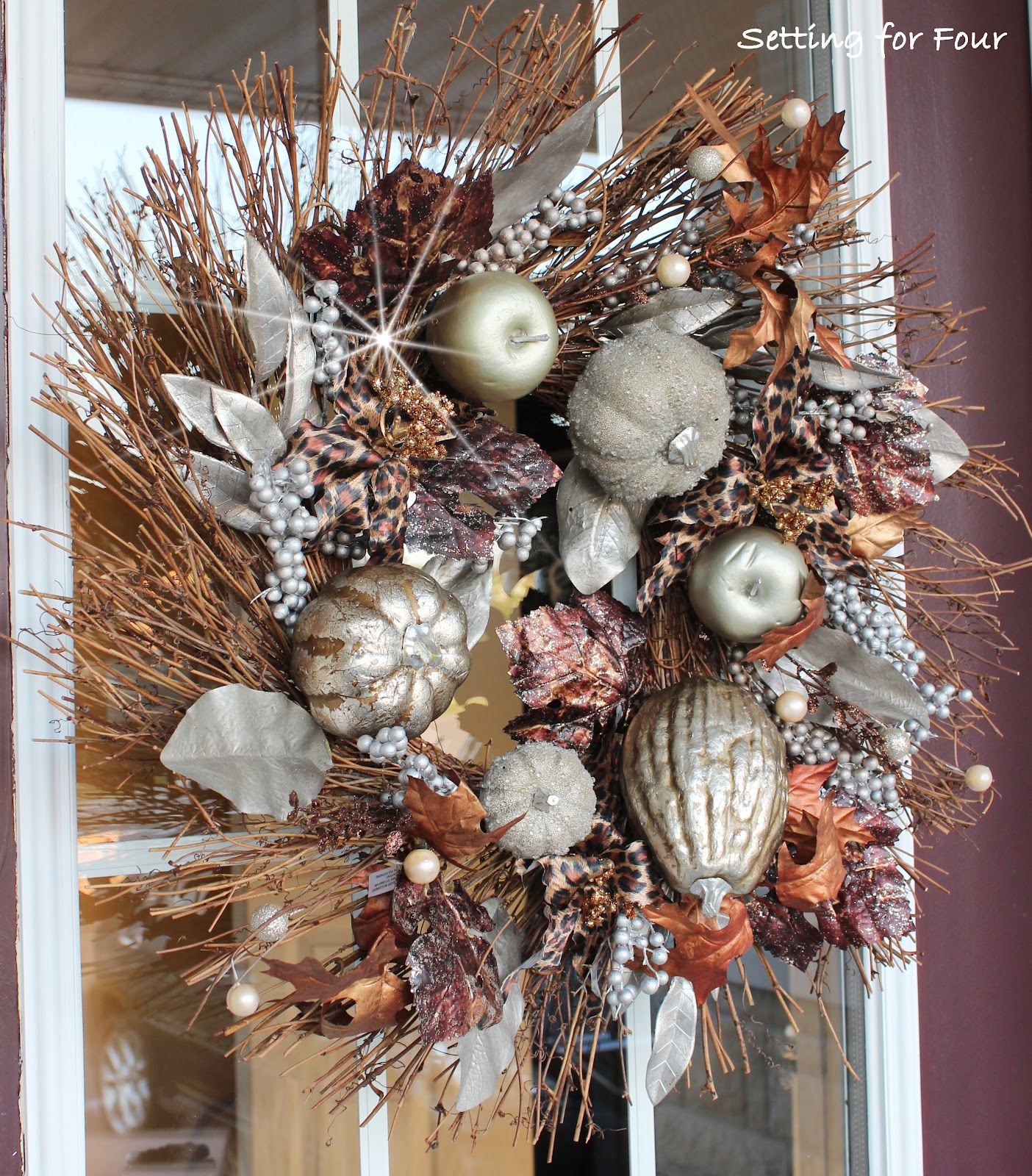 Rustic Glam Metallic Fall Wreath | Outdoor Fall Decorating Ideas To Kick Off The Holiday Season