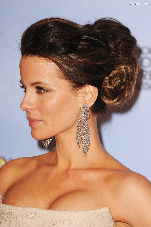 Kate Beckinsale Hot Cleavage Photo