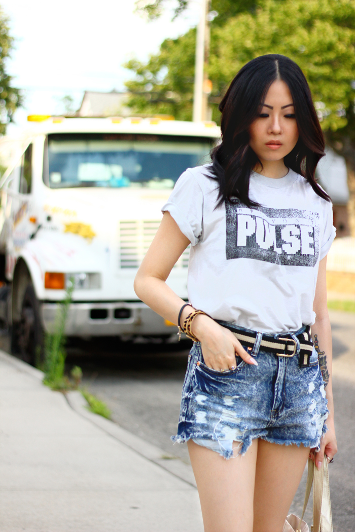 modern vintage outfit with vintage tee and denim